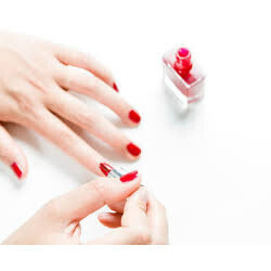 Sublimant des mains avec mise en beauté des ongles