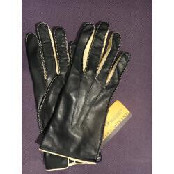 Gants en cuir noir de la marque Georges Morand