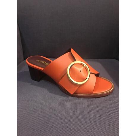 Mules Pandy orange boucle en or Avril Gau