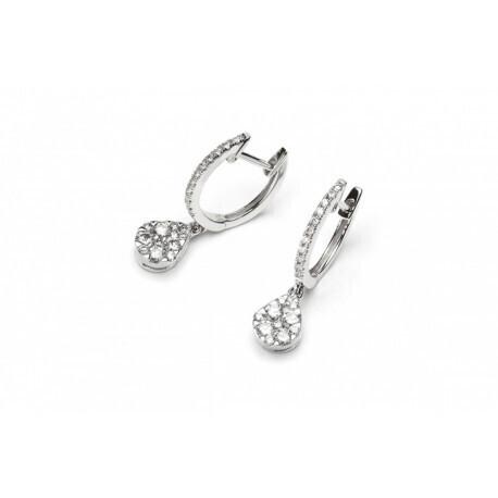 Boucle doreilles à motif de poire en or blanc 750/1000 et en diamants