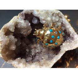 Broche coccinelle turquoise et diamants